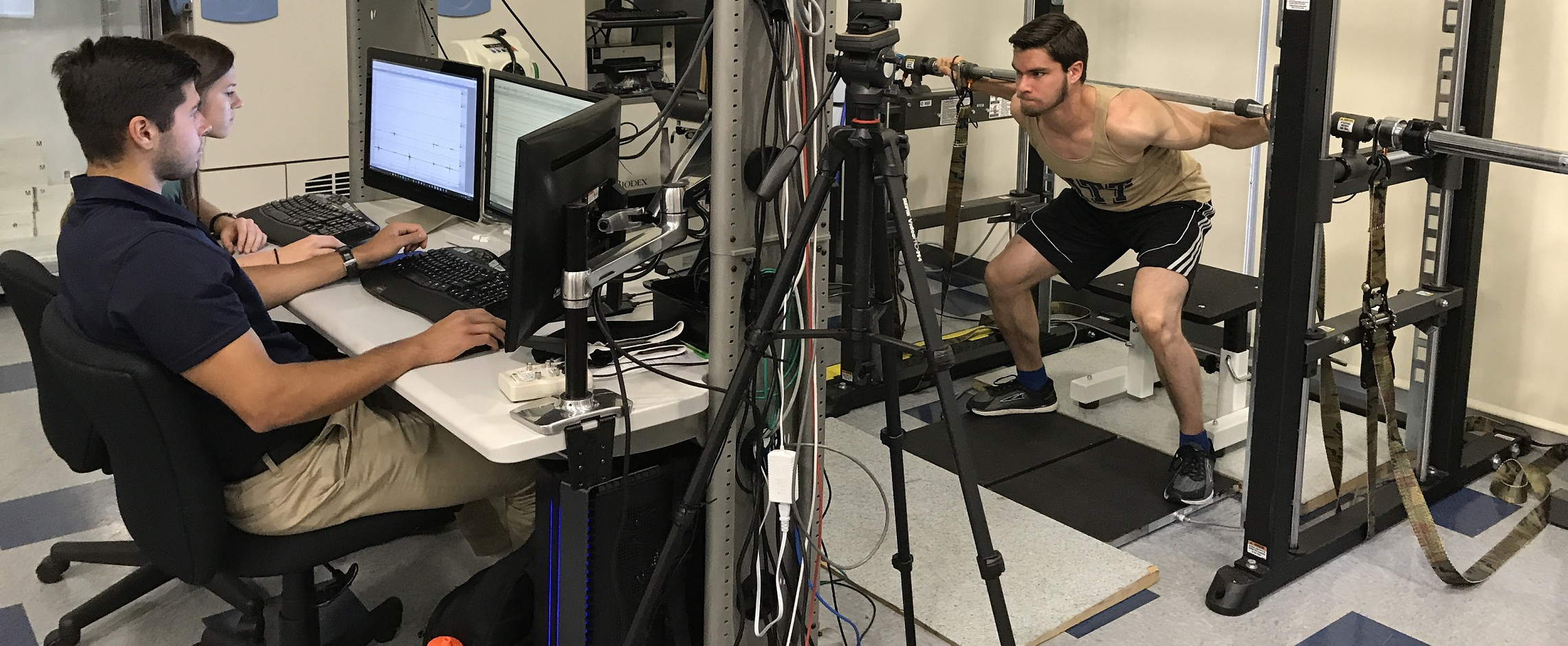 Researchers working in Neuromuscular Research Laboratory