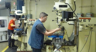 Students in HERL Machine Shop