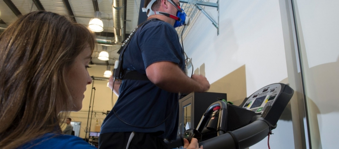 experiment subject doing a VO2 max test on treadmill